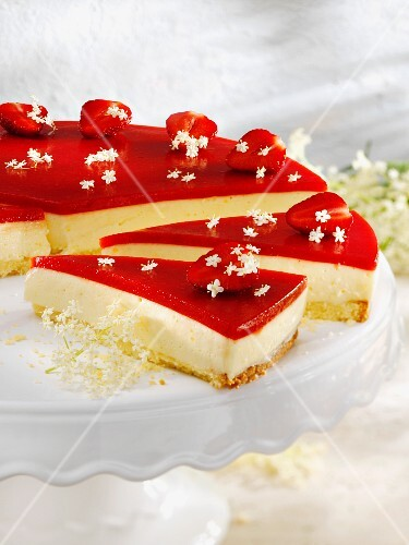 Elderflower tart with strawberries