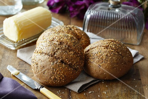 Wholemeal bread rolls and butter