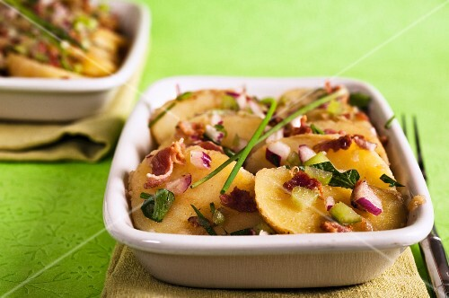 Balsamic potato salad with fresh chives
