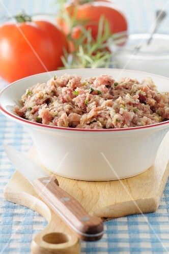 Sausagemeat stuffing in a bowl