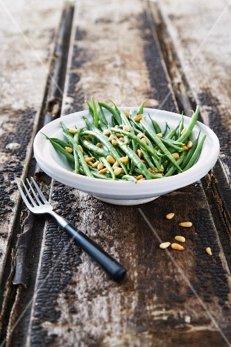 Green bean salad with pine nuts