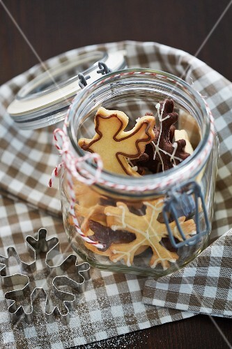 Christmas biscuits in a jar