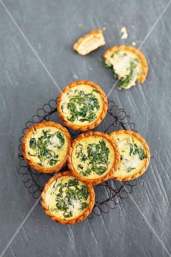 Several spinach tartlets (view from above)