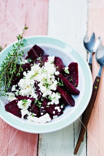 Beetroot with ewe's cheese and thyme