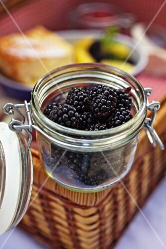 Fresh blackberries on a picnic hamper