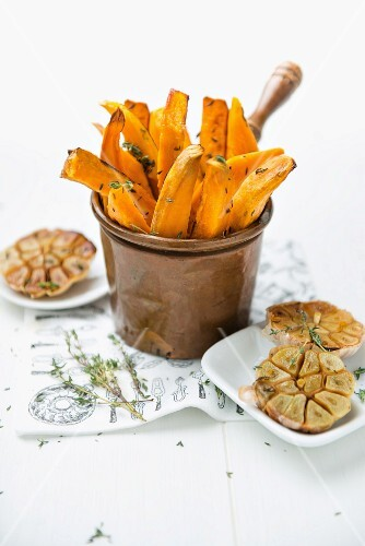 Sweet potato chips and roasted garlic