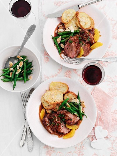 Roast duck breast with parsley, green beans and potatoes