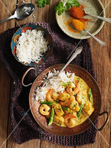 Prawn curry with rice (India)