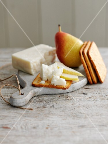 Goat Cheese with Pears and Crackers