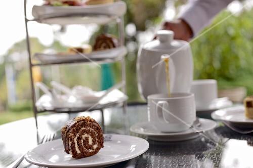 High tea on the terrace at Jetwing St. Andrews Hotel (Nuwara Eliya, Sri Lanka)