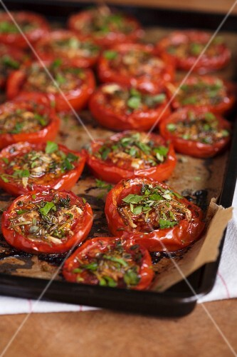 Roasted tomatoes with herbs and salt