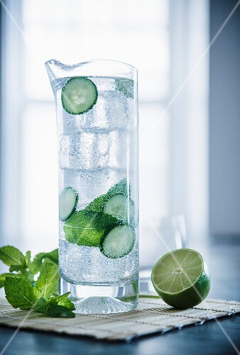 Mojito with cucumber, lime and peppermint