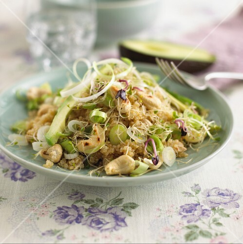 Quinoa salad with leek, avocado and cashew nuts