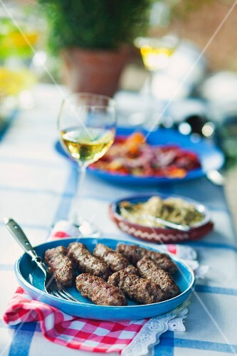 Kebapche (grilled rissoles, Bulgaria)