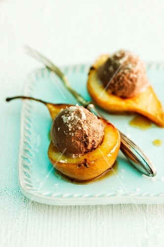 Caramel pears with chocolate ice cream