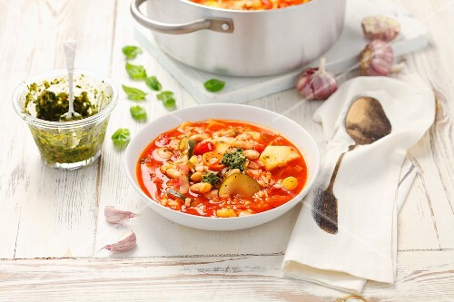Vegetable soup with pesto