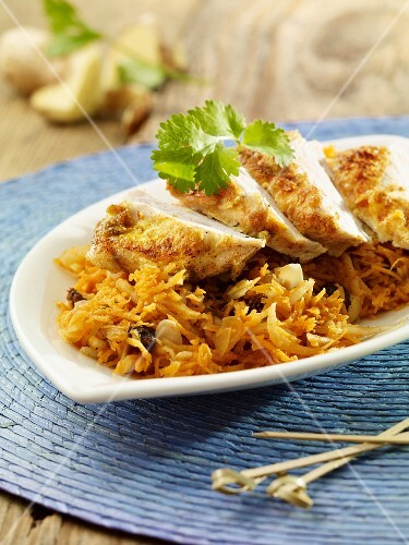 Turkey curry with carrot salad