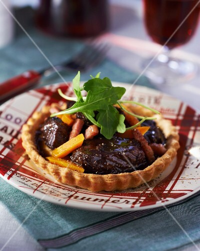 Tartlet with Boeuf Bourguignon filling (France)