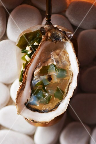 Fresh oyster with peppercorn jelly