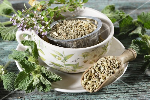 Herbal tea with hoarhound, thyme and fennel seeds