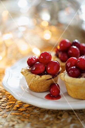 Mini pork pies with cranberries