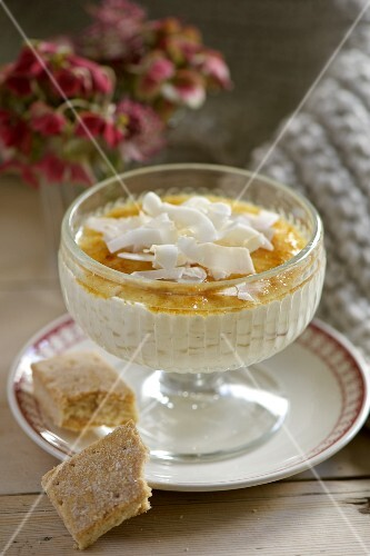 A creamy dessert with shortbread