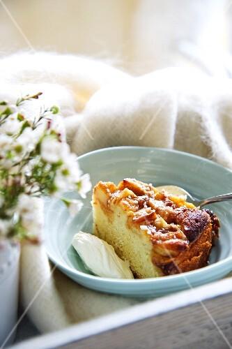 Apple cake with sour cream