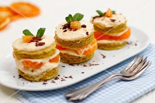 Individual mandarin layer cakes with quark cream icing