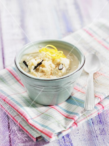 Rice pudding with vanilla and lemon zest (Spain)