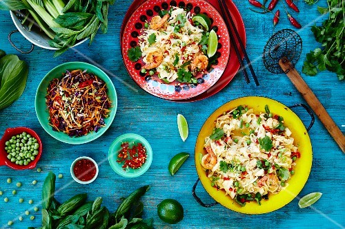 Pad Thai (noodle dish from Thailand) with ingredients