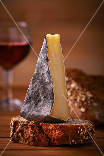 Tomme de Savoie cheese and seeded bread