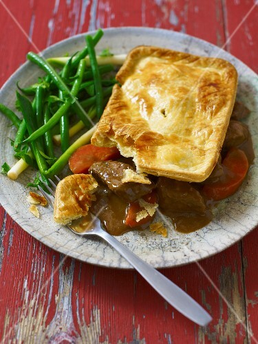 Beef Pie with carrots and green beans (England)