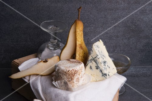 Edelpilz cheese with a pear