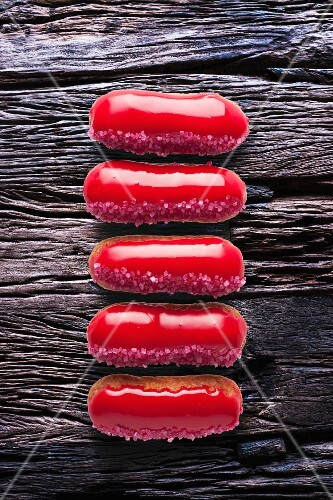Red-glazed eclairs (seen from above)