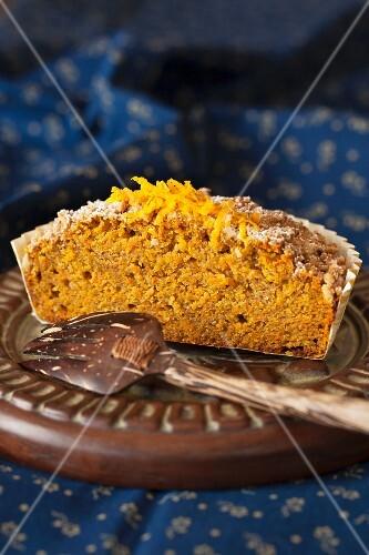 Morning crumble cake with orange zest