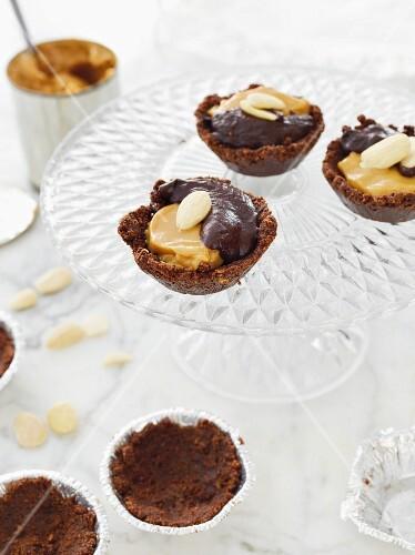 Mini toffee cakes