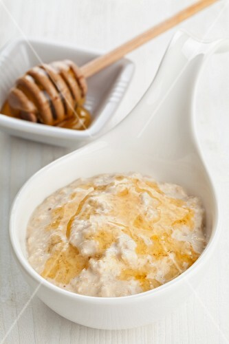 Porridge with honey
