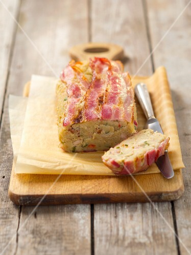 Bread pudding with pancetta