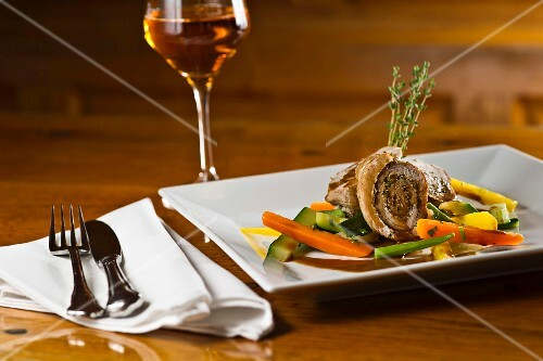Rolled veal escalope with vegetables