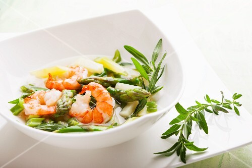 Asparagus soup with prawns