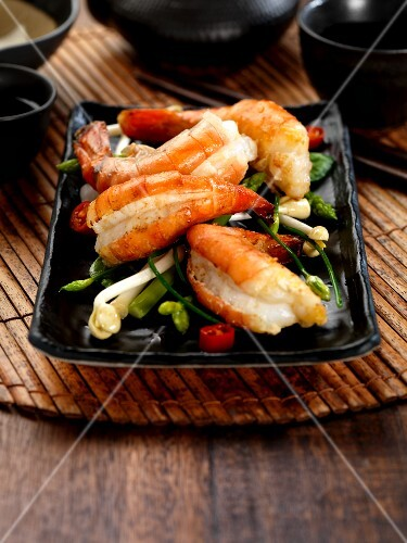 Prawns with chilli and garlic chives