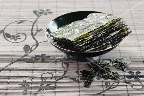 A bowl of dried seaweed sheets