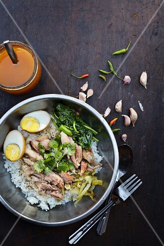 Kaw-kha-moo (pork with rice and hard-boiled egg, Thailand)