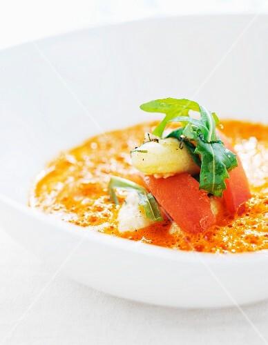 Tomato soup with white asparagus