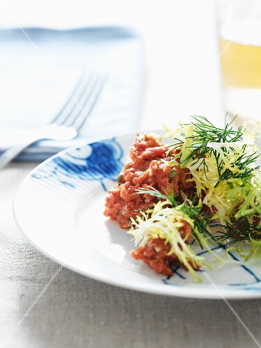 Tartar with capers