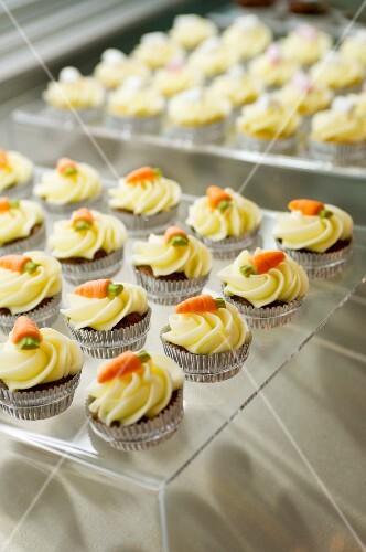 Mini carrot cakes topped butter cream