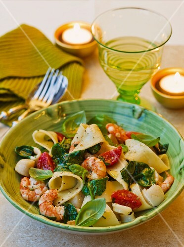 Pappardelle with seafood, tomatoes and basil