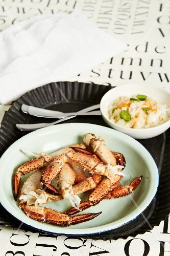 Crab legs and crab meat with chillis