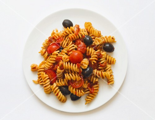 Fusilli with cherry tomatoes and olives