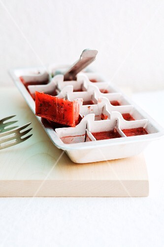 Strawberry and mint ice cubes